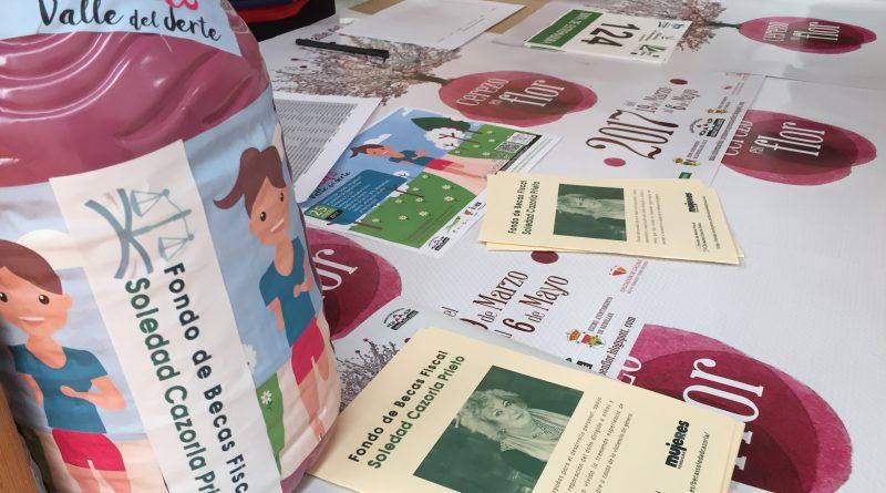 """Se hace efectiva la donación de la II Carrera Popular """"Por Ellas"""", organizada por la Mancomunidad del Valle de Jerte, en beneficio del Fondo de Becas Fiscal Soledad Cazorla Prieto"""