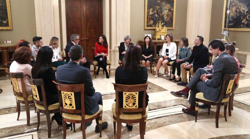 Emotivo encuentro en Zarzuela de la Reina Letizia con víctimas de la violencia de género